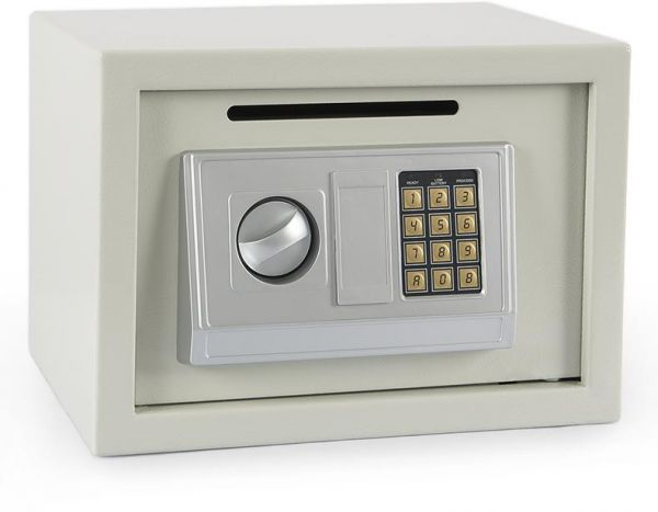 Personal safe iwth electronic lock