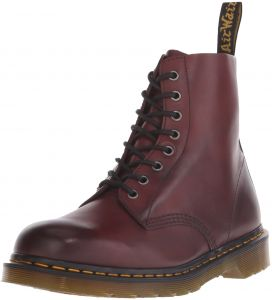 95f9ad7d2830 Dr. Martens Unisex Adults  Pascal Classic Boots