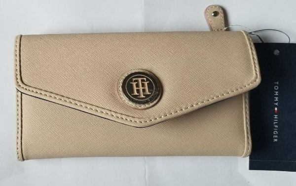 7135726ccde Tommy Hilfiger Beige Faux leather Women Wallet - large size Price in ...