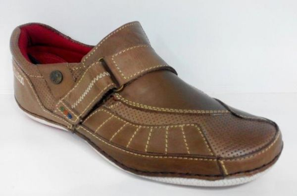 dcded158782 Buckaroo Mens Casual Brown Colored Slip-On Shoes