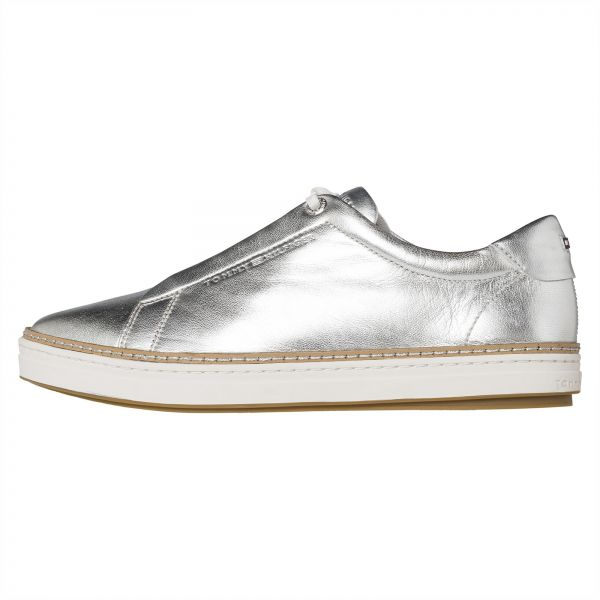 0a0eaa318 Tommy Hilfiger Fashion Sneaker for Women - Silver