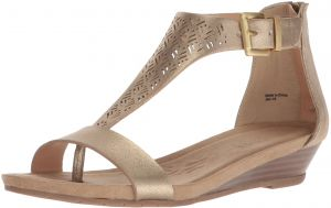 099ed8f881a Kenneth Cole REACTION Women s Great Clip 3 T-Strap Low Wedge Sandal
