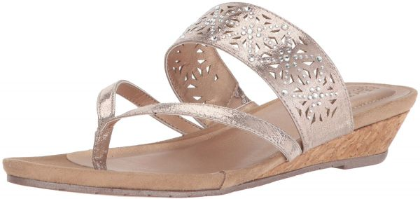 ba7055152a71 Kenneth Cole REACTION Women s Great Chime Low Thong Wedge Sandal ...