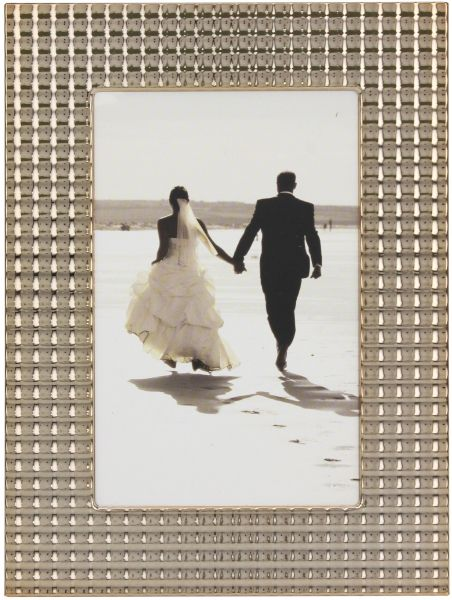Stonebriar Decorative Textured Gold Metal Photo Frame With Easel