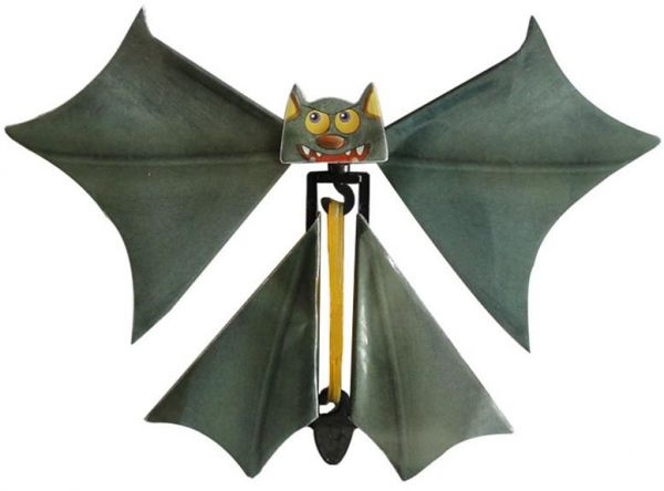 Magic Flying Bat, 3PC Wind up Bat Flutter Card Prank Flying Paper Bats for  Funny Halloween Card Gift Toys