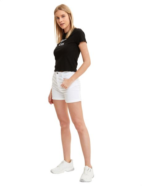 Defacto Roll Up Hem Slim Fit Hot Shorts For Women White 40 Buy Online Shorts At Best Prices In Egypt Souq Com Women especially have their own challenges with staying fit working a corporate job everyday, after menopause or returning to a good level of fitness after having children. egp